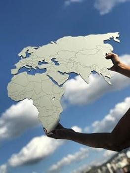 Mapa Mundi MDF -  Fronteiras Cinza