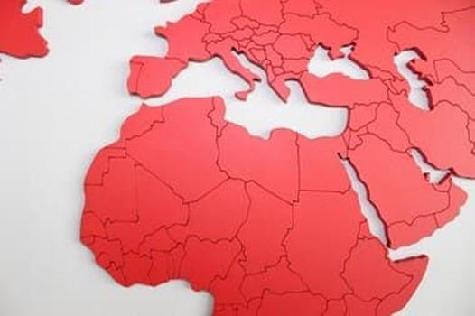 Mapa Mundi MDF Fronteiras Rouge